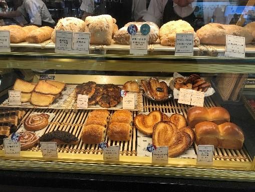 PAULレストラン台北 テイクアウトのパン