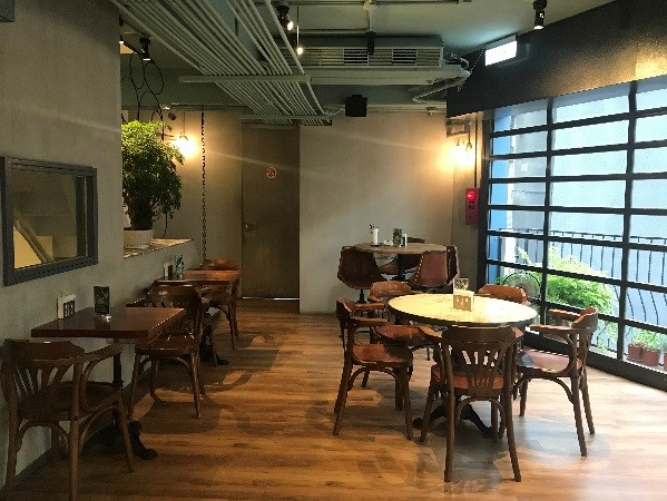TOASTERiA CAFE 4階フロア