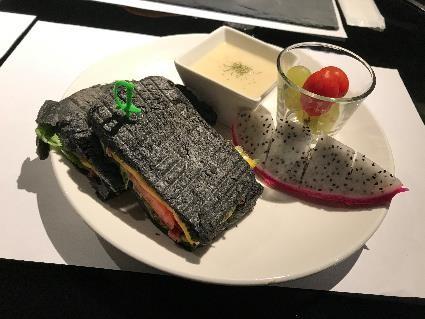 朝ごはんメニュー 洋式:鴨賞入りサンドイッチ
