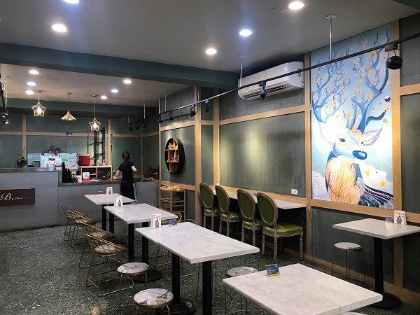 B-TOD冰塔文化店 広々とした可愛いカフェ。
