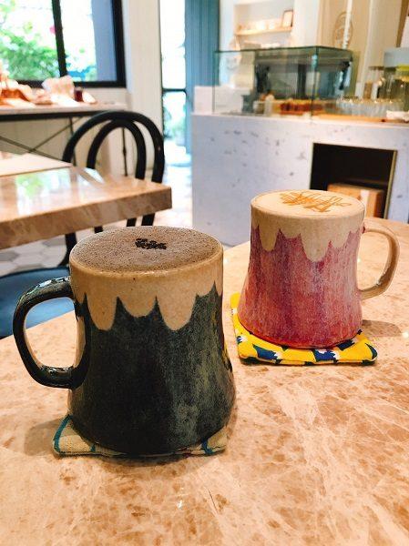 Cafe de Riz 米販咖啡 指定のホットドリンクのみ、この富士山マグカップで出てきます。