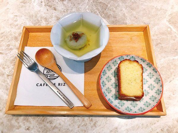 Cafe de Riz 米販咖啡 期間限定の金木犀(桂花)と緑茶の冷製湯圓、店内で売られているパウンドケーキを頂きました