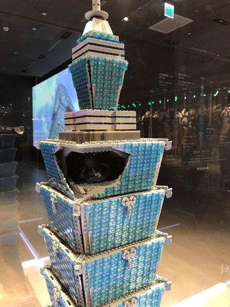 台北101 レゴ展 レゴの台北101、ダンパーも見えるように造られてます