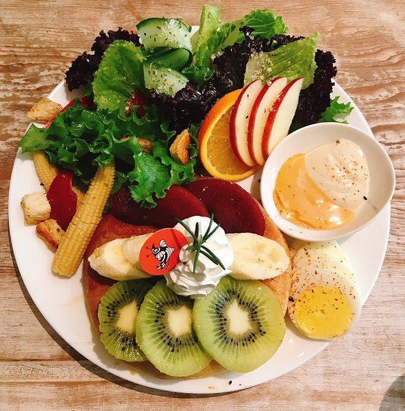 貳拾陸巷 Somebody Café 季節のフルーツのパンケーキ