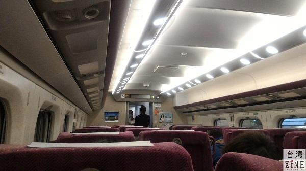 台湾新幹線高鐵 車内も日本の新幹線とほぼ同じ雰囲気ですね