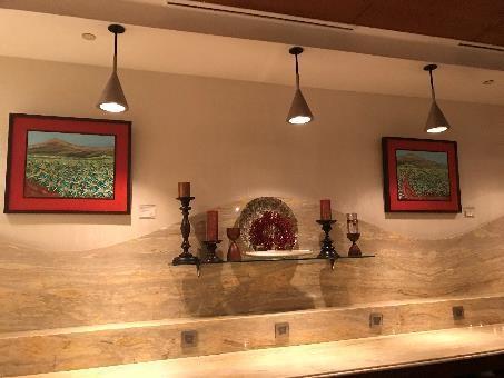 リビエラホテル 地中海牛排館 店内は、クラシックなヨーロッパ調の雰囲気がステキです。