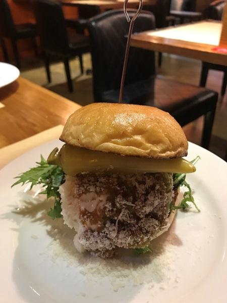 台北駅近くの「Oldies Burger」で本格アメリカンハンバーガーを頂きました