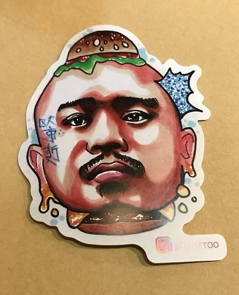 Oldies Burger 新美式文化料理 顔がハンバーガーで挟まれてるよ