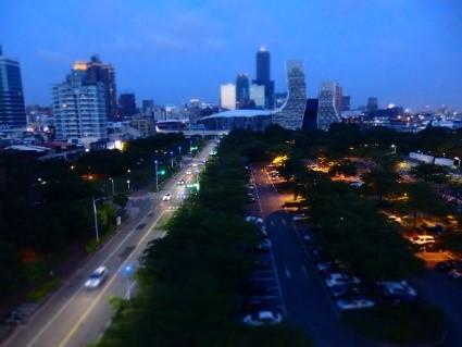 シティスイーツ 高雄駁二館 部屋からの眺め(夜)