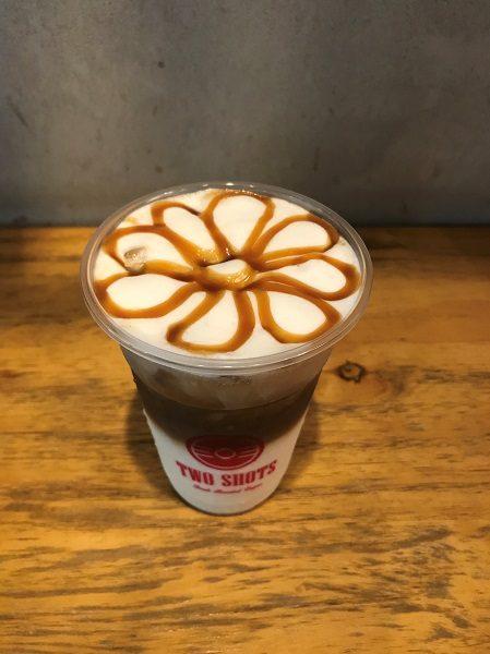 キャラメルマキアート(焦糖瑪琪朵) 75元 TWO SHOTS COFFEE 東門店