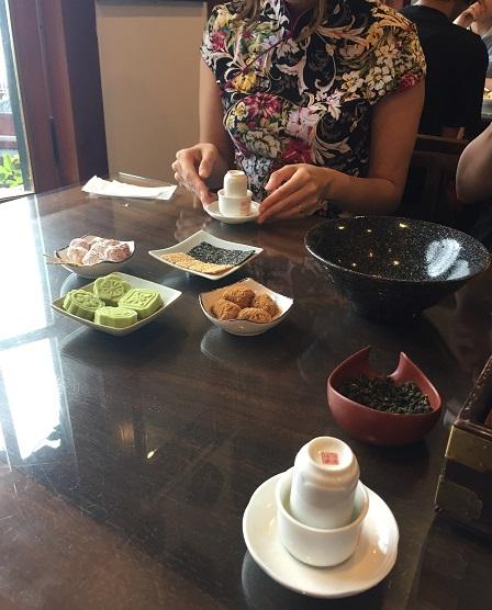 """阿妹茶樓 『千と千尋の神隠し』に出てきた建物に""""似ている""""(モデルではない)、すでに日本で有名すぎるお茶屋さん。"""