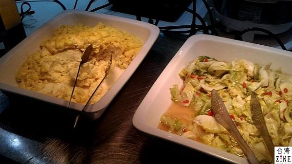 YOMI HOTEL(優美飯店)優美ホテル スクランブルエッグ、野菜炒め