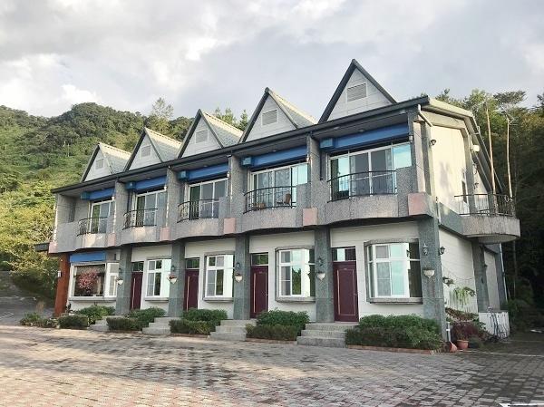 台東太麻里のホテル「環山雅築」に宿泊して金針花を見に行きました~