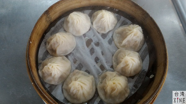 台北のローカル小籠包店「圓圓小籠湯包」はきたなシュランだった