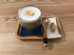 台北信義区の「CAFE FUGU Roasters」で麺茶ラテ飲んでみた