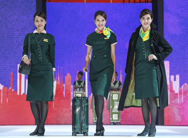 台湾の航空会社の客室乗務員(CA)の制服まとめ
