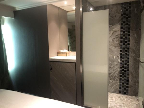 森SPA足体養生会館 各個室、シャワールームと鍵付きロッカー完備。シャワー設備はドイツのGROHE製。